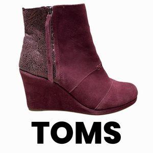 Toms burgundy wine suede wedge booties size 8.5